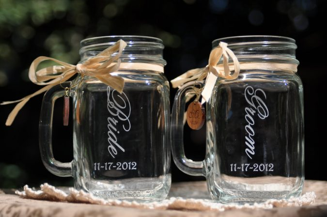 Mason-Jars-with-Handles-for-Wedding-675x448 10 Outdated Wedding Trends to Avoid in 2018