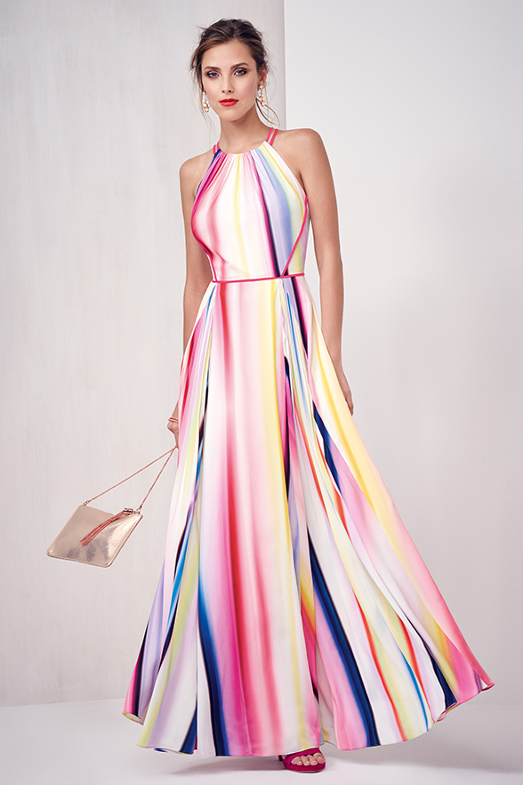 Maxi-dress-women-summer-outfit Top 10 Lovely Spring & Summer Outfit Ideas for 2020