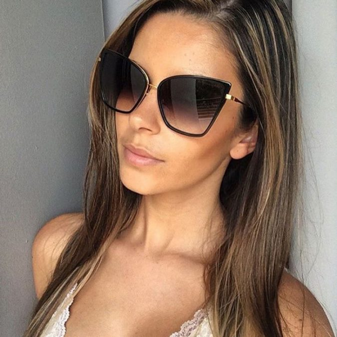 Mirror-Sunglasses-for-women-2-675x675 12 Outdated Fashion Trends Coming Back in 2020