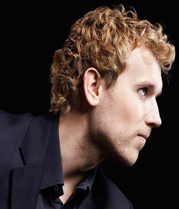 Short-curly-hairstyle-for-blonde-men-1 Top 10 Hairstyles for Guys with Blonde Hair [2020 Trends]