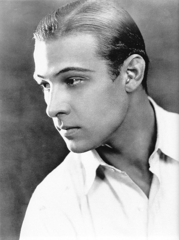 Side-part-hairstyle-classic-hairstyles-for-men Top 10 Classic 20's Hairstyles for Men [Coming Back in 2018]