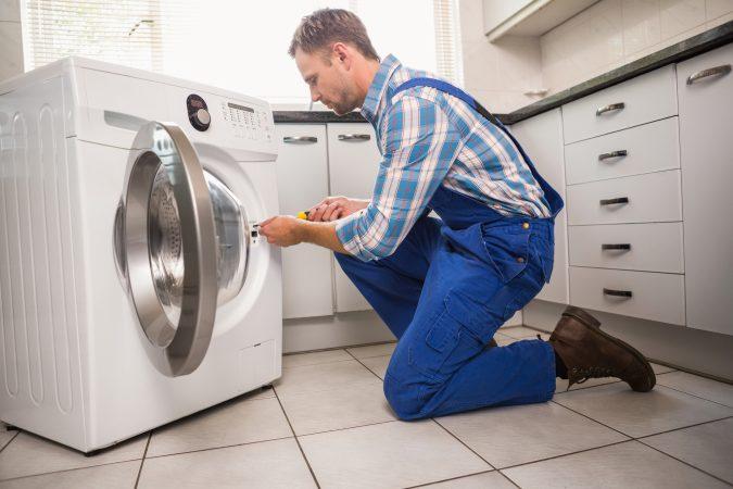 Washing-machine-repairman-appliances-repair-technician-675x450 Top 10 Washing Machine Parts That Need Repair in Canada