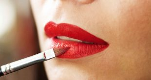 7 Tricks to Keep Your Lipstick Last Longer