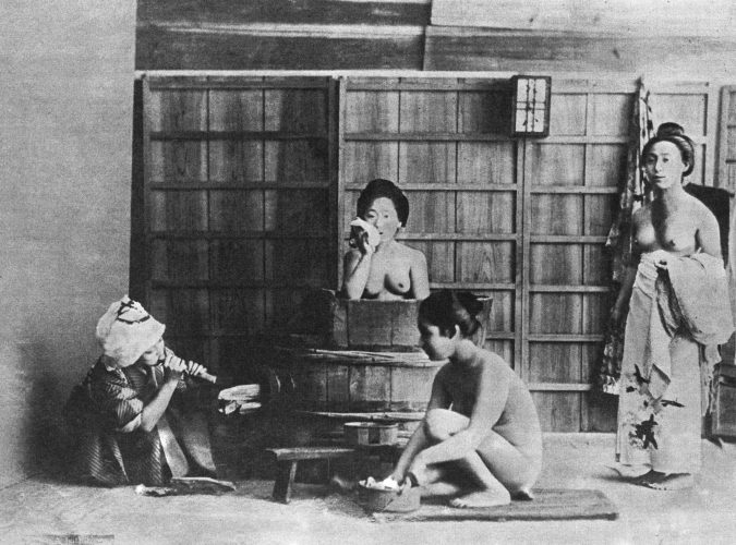 bathing-in-Japan-675x500 The Truth about Bathing throughout the Years [+500 Years Bathing History]