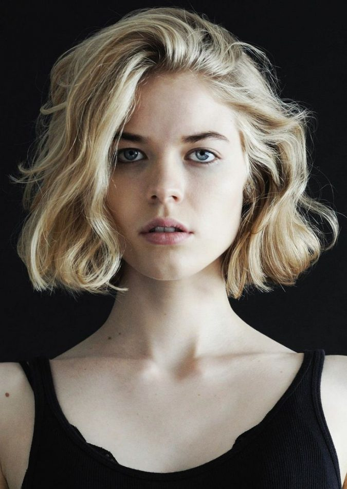 blond-wavy-bob-short-hairstyles-for-women-675x952 Top 10 Professional Hairstyles for Blonde Women in 2020