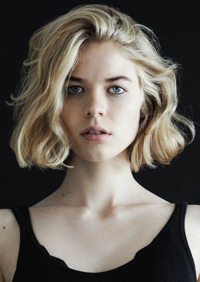 blond-wavy-bob-short-hairstyles-for-women-675x952 Top 10 Professional Hairstyles for Blonde Women in 2020
