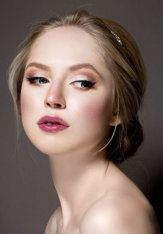 bridal-hairstyle-makeup-berry-lip-675x969 10 Tips to Hide Acne with Makeup