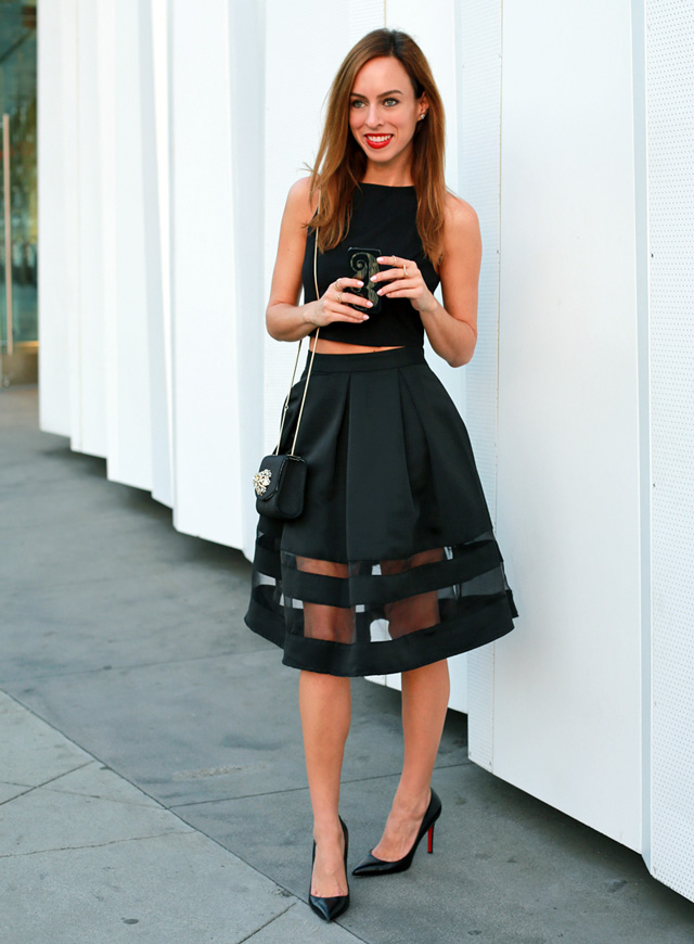 crop-top-full-black-skirt-women-outfit 12 Outdated Fashion Trends Coming Back in 2020