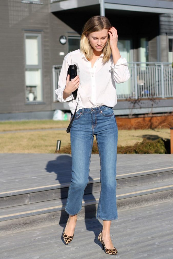 cropped-flare-jeans-women-fashion-675x1013 12 Outdated Fashion Trends Coming Back in 2021