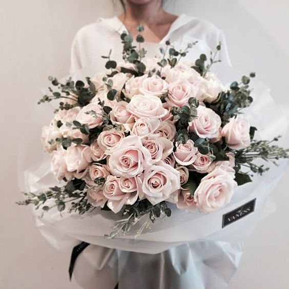 flowers-can-lift-your-spirit Fall in Love with Beauty - 7 Reasons Make Flowers The Most Precious Gifts