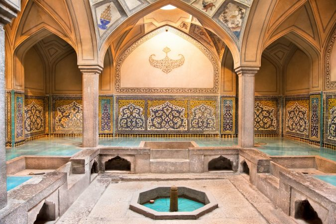 historical-Hamman-Iran-675x450 The Truth about Bathing throughout the Years [+500 Years Bathing History]