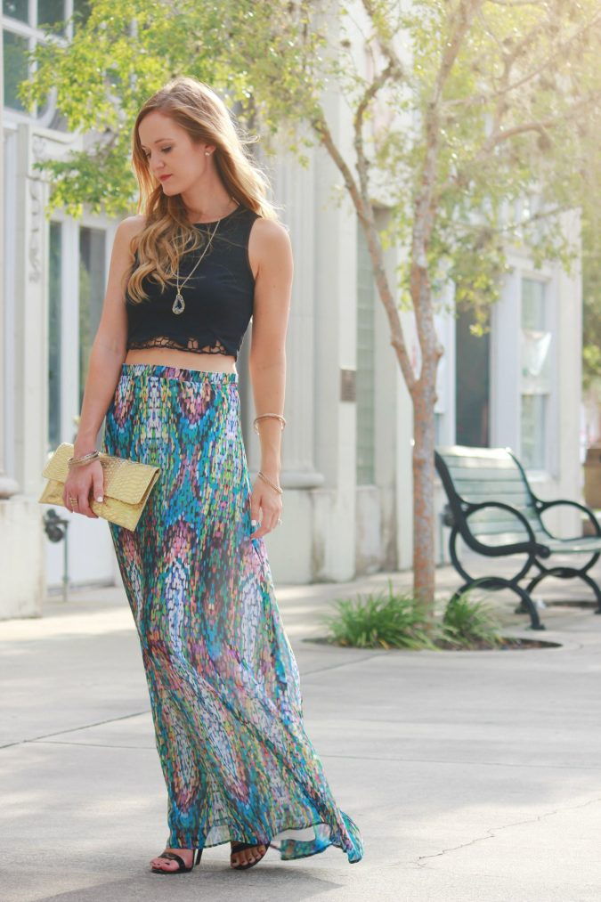maxi-skirt-women-summer-outfit-2-675x1013 Top 10 Lovely Spring & Summer Outfit Ideas for 2018
