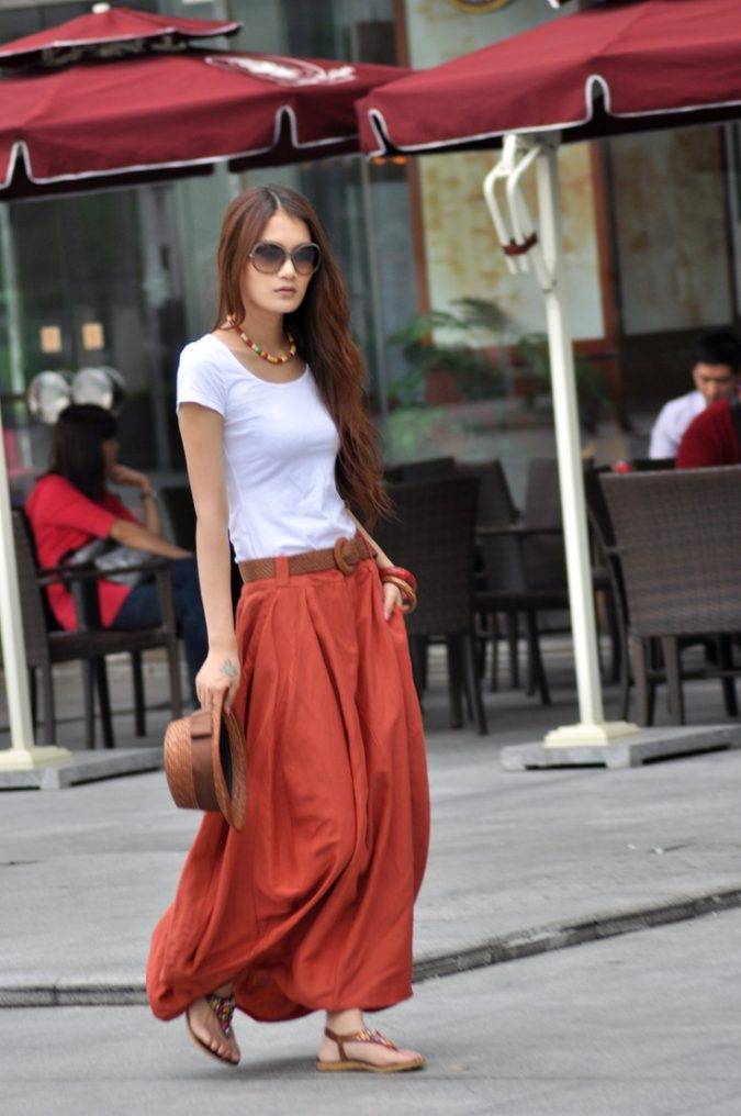 maxi-skirt-women-summer-outfit-675x1016 Top 10 Lovely Spring & Summer Outfit Ideas for 2020