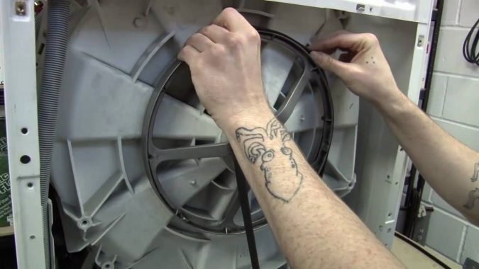 replacing-washing-machine-Water-Pump-Belt-675x380 How to Fix the Most Common PC Connectivity Issues