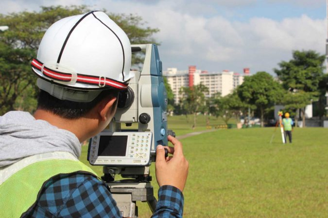 surveyors-675x450 6 Reasons You Need to Hire a Surveyor