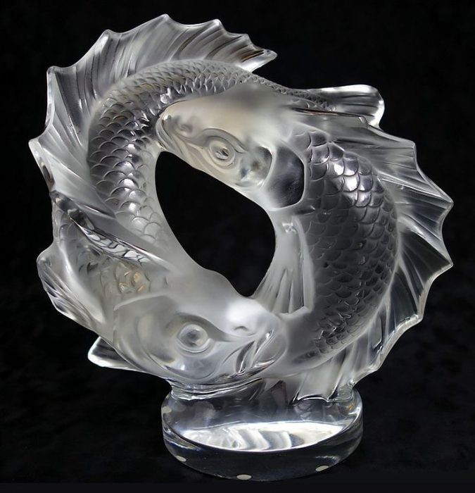 two-fishes-crystal-sculptures-lalique-glass-art-675x700 Top 10 Best Wedding Anniversary Gift Ideas for 2018