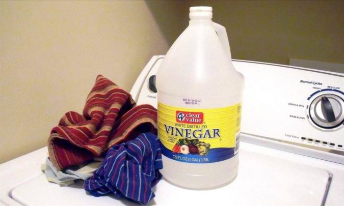 vinegar-stain-removing-675x405 Top 10 Tricks to Remove Makeup Stains from Clothes Easily