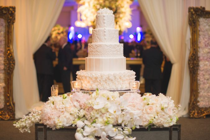 wedding-cake-table-3-675x449 10 Outdated Wedding Trends to Avoid in 2018