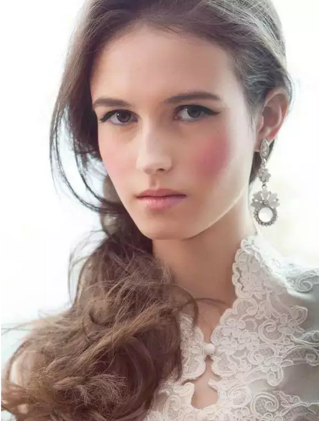 wedding-makeup-rosy-cheeks-and-lips Top 10 Wedding Makeup Ideas for 2020 Brides