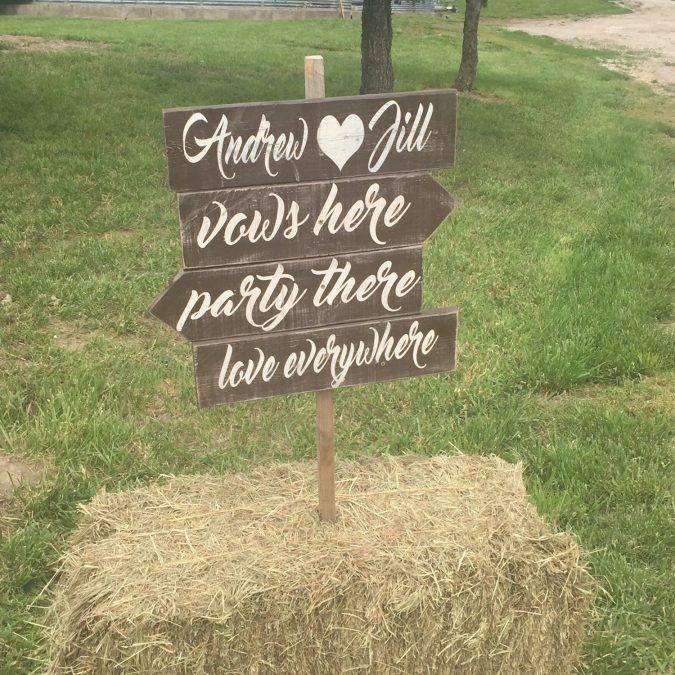 wedding-sign-675x675 10 Outdated Wedding Trends to Avoid in 2018