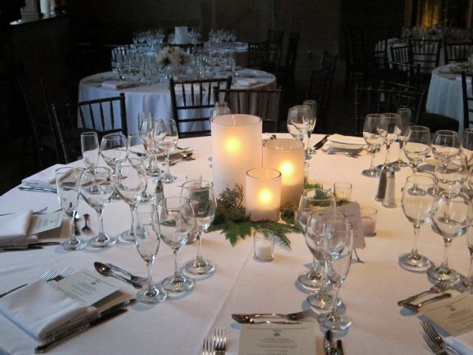wedding-table-simple-decoration-675x506 10 Outdated Wedding Trends to Avoid in 2020