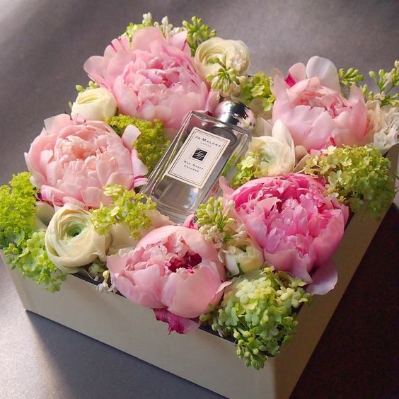 who-doesnt-love-flowers Fall in Love with Beauty - 7 Reasons Make Flowers The Most Precious Gifts