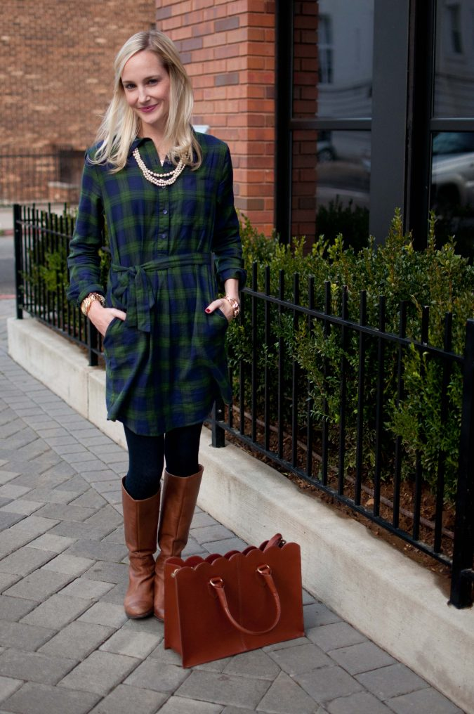 women-outfit-675x1016 12 Outdated Fashion Trends Coming Back in 2020