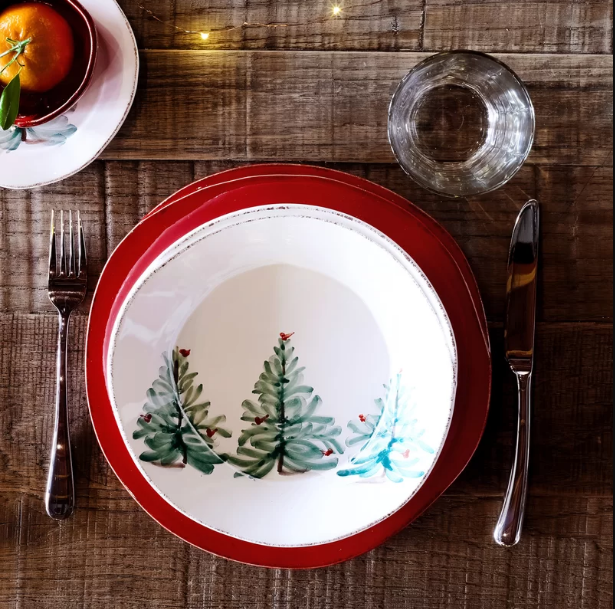 Christmas-dining-set Top 10 Ideas To Make Your Home Look Magical and Enjoyable For Holidays