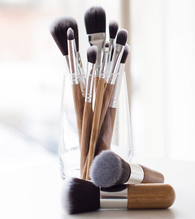 Clean-makeup-Brushes-with-baby-shampoo-2-675x759 7 Best Ways to Clean Makeup Brushes Professionally
