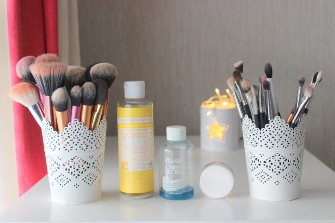 Cleaning-Makeup-Brushes-675x450 7 Best Ways to Clean Makeup Brushes Professionally