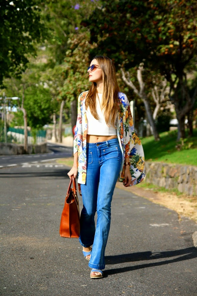 Flared-Jeans-outfit 8 Tips to Choose the Best Jeans for Your Body Shape