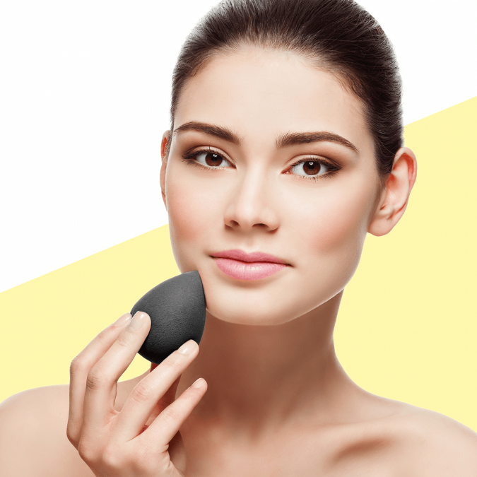 How-to-Use-Makeup-Sponge-675x675 5 Simple Tips to Avoid Cakey Makeup