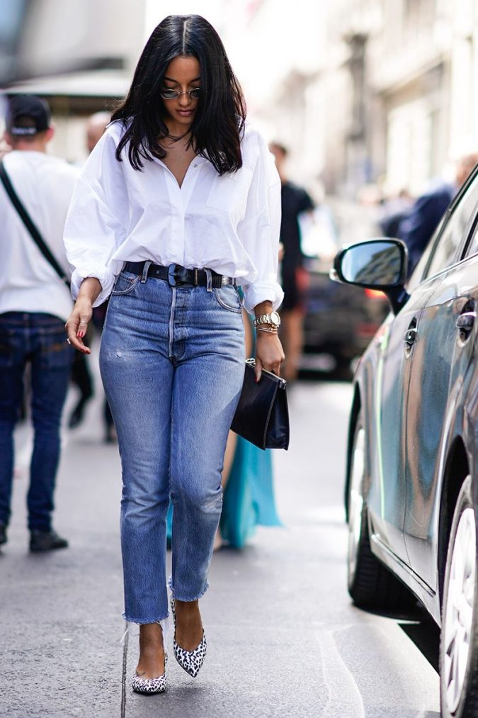 Straight-Out-Legs-jeans-outfit-675x1013 8 Tips to Choose the Best Jeans for Your Body Shape