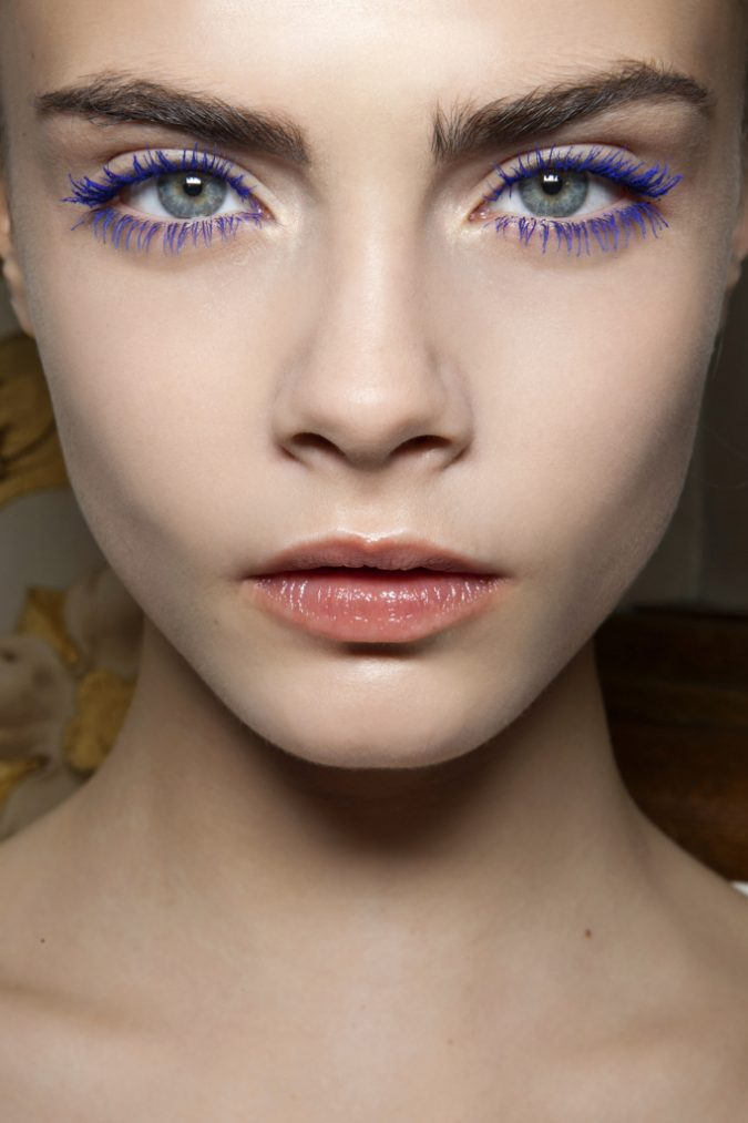 cara-delevigne-purple-mascara-makeup-675x1013 10 Tips to Apply Mascara Like a Professional