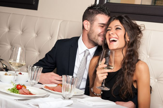 complimenting-a-woman-675x449 Experts Reveal 10 Relationship Secrets to Make Your Partner Feel Special