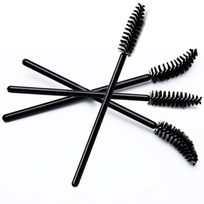 disposable-mascara-brushes-675x675 10 Tips to Apply Mascara Like a Professional