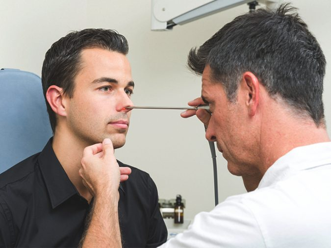 doctor-checking-patient-nose-dry-air-675x506 Top 10 Unexpected Problems of Dry Air and How to Avoid