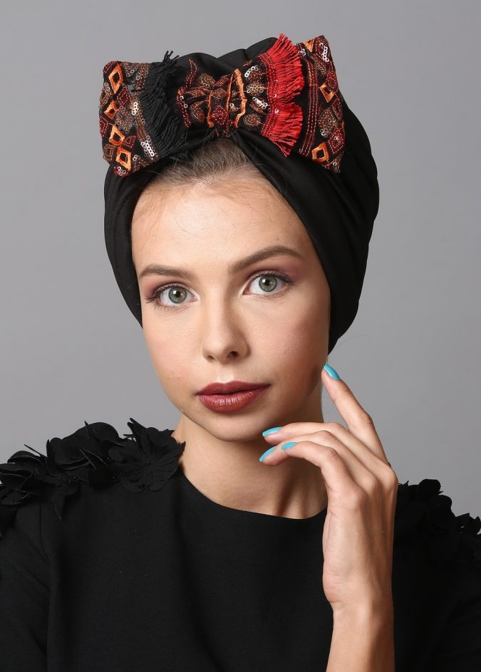 ethnic-bow-turban-in-black-burgundy-x-675x944 7 Trendy Ways To Wear Headscarves That are Creative