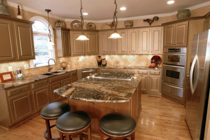 kitchen-with-Faux-Finishes-675x451 10 Outdated Kitchen Trends to Avoid in 2018