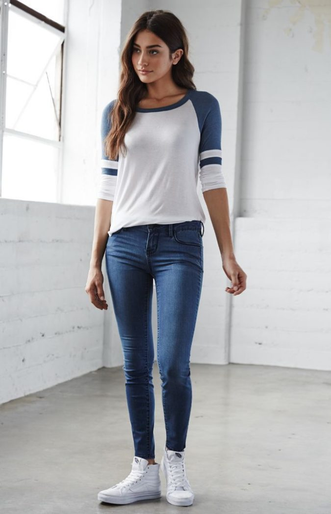 low-waisted-denim-outfit-675x1047 8 Tips to Choose the Best Jeans for Your Body Shape