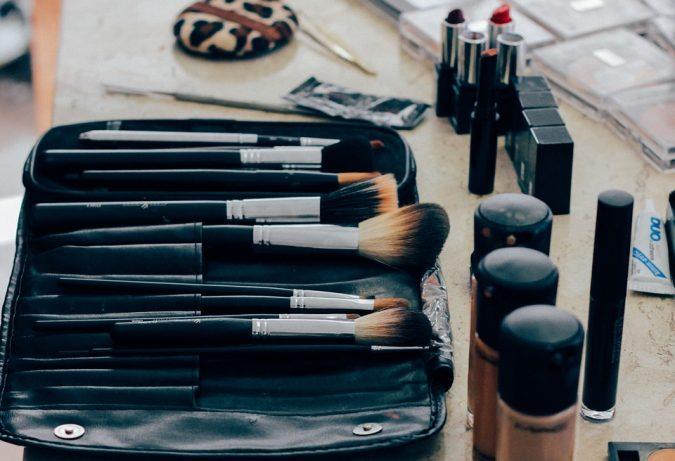 makeup-kit-mascara-675x461 10 Tips to Apply Mascara Like a Professional