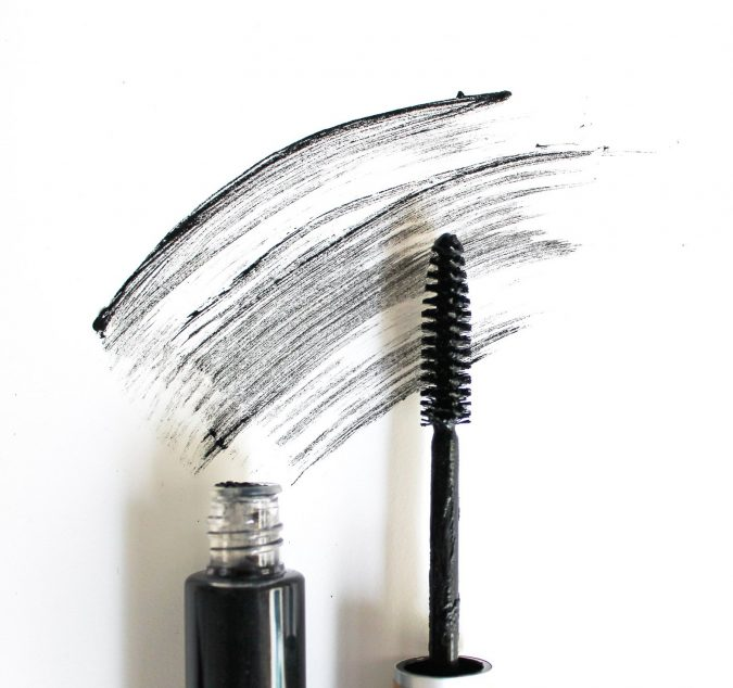 makeup-mascara-675x634 10 Tips to Apply Mascara Like a Professional