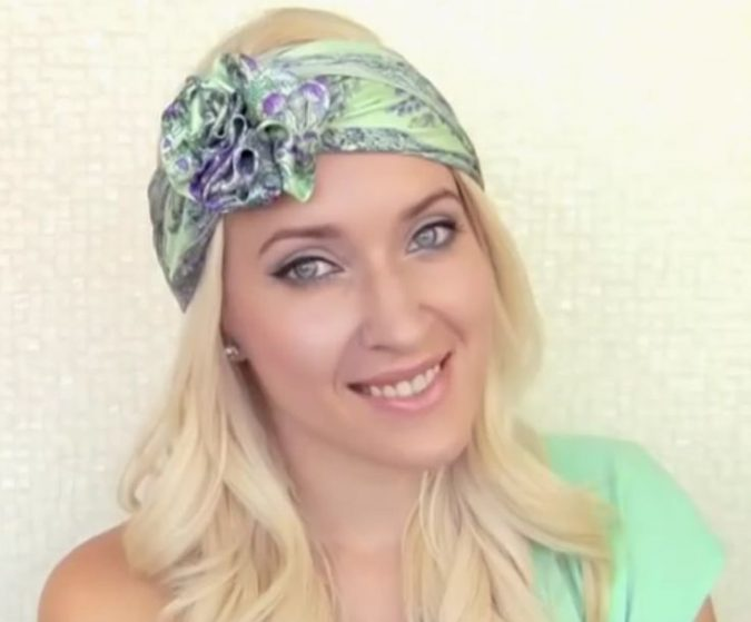 rose-knot-675x559 7 Trendy Ways To Wear Headscarves That are Creative