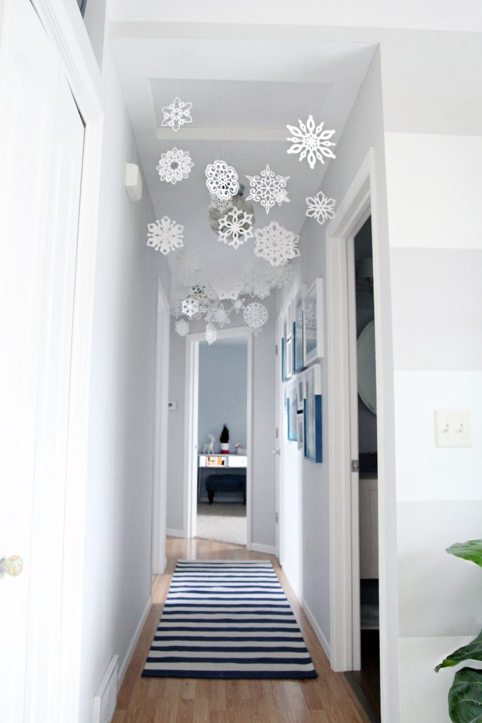 snowflakes-1122-675x1013 Top 10 Ideas To Make Your Home Look Magical and Enjoyable For Holidays