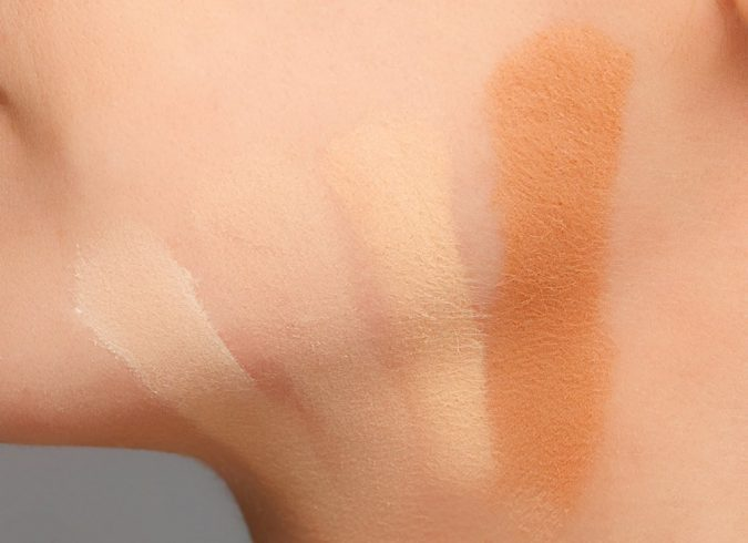 testing-makeup-foundations-675x490 5 Simple Tips to Avoid Cakey Makeup