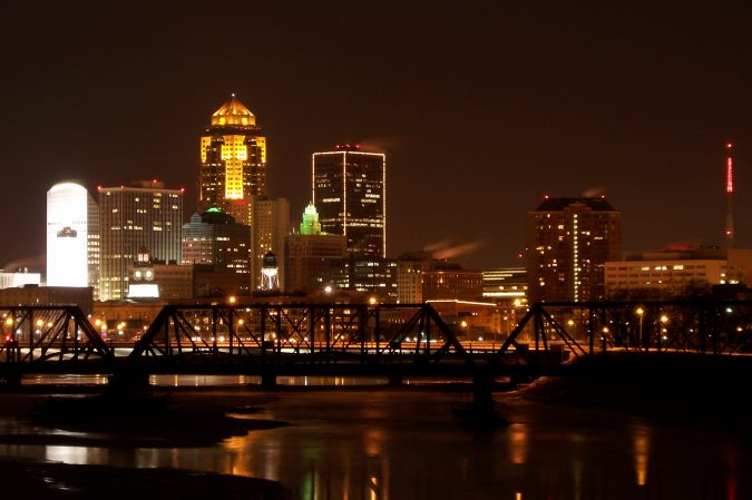 Des-Moines-Iowa-675x449 7 Cities To Move To For A Fresh Start