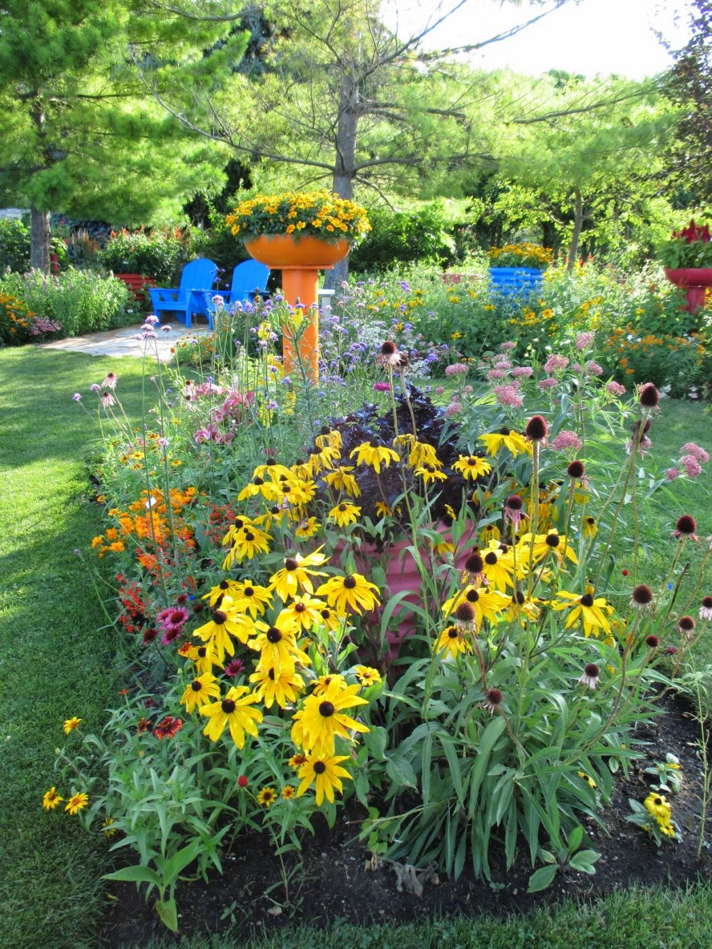 One-color-Wonder-1024x1365 How To Revamp Your Garden In A Whole New Way