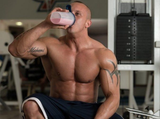 PROTEIN-SHAKES-Drinking-in-Gym-675x502 10 Facts You Didn't Know about Creatine