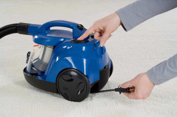 bissell-6489-zing-rewind-bagless-canister-vacuum-675x447 All There Is To Know About Bissell Vacuum Cleaner