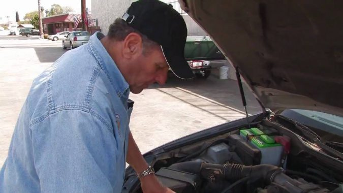 diagnosing-car-issues-675x380 What Car Issues You Can Fix with AutoZone Tool Rental